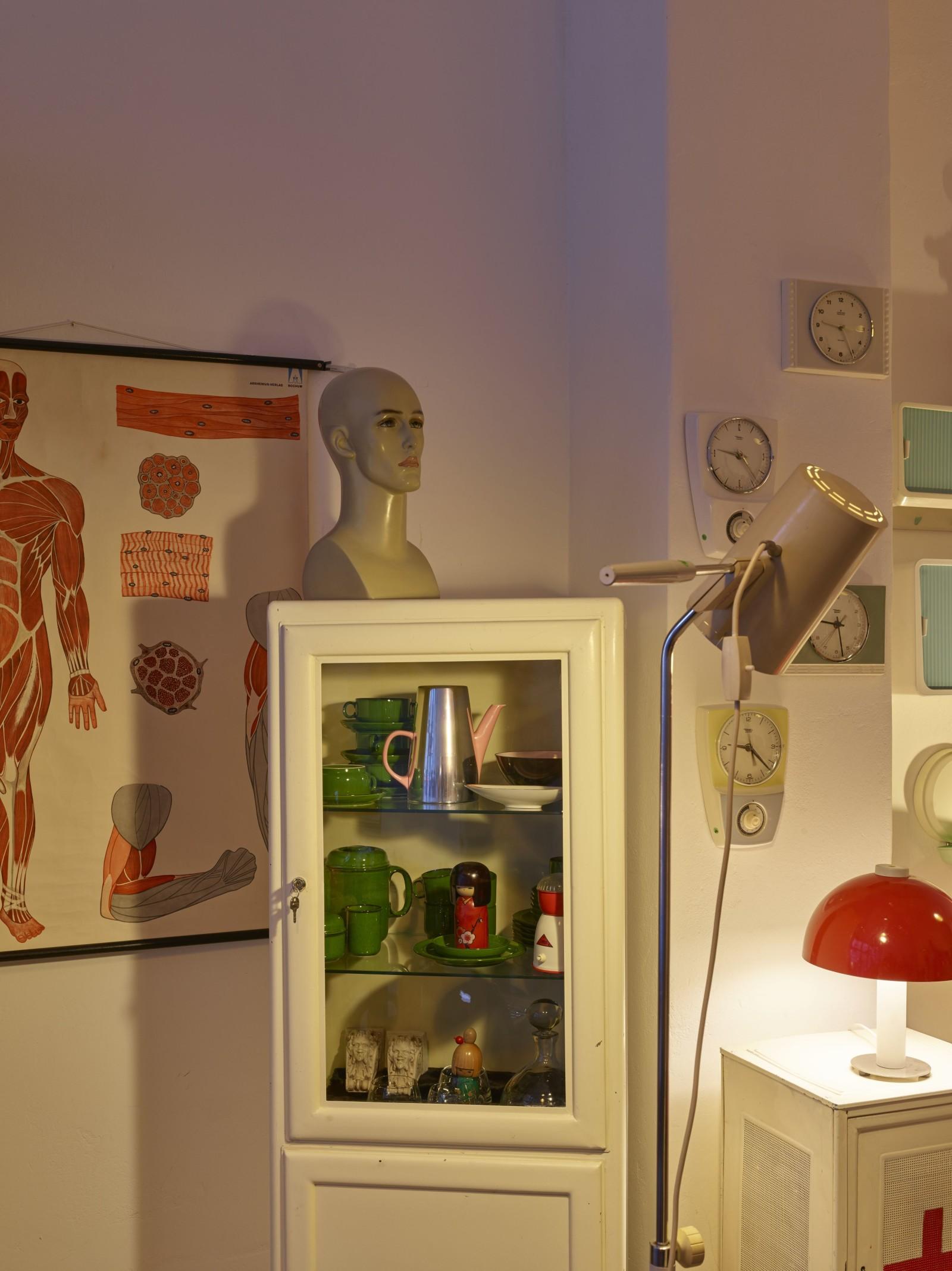 bost m bel und leuchten wohnaccessoires und kuriosa der 20er bis 70er jahre. Black Bedroom Furniture Sets. Home Design Ideas